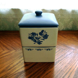 Pfaltzgraff Yorktowne Stacking Square Canister